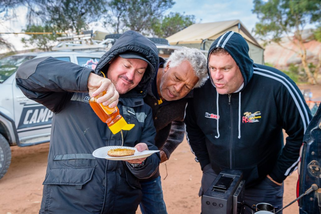 Australia Ernie Landcruiser Toyota Hilux LowRange Camera 4x4 Landscape Camping Discovery 4WD Kenno Camp Filming Outback Gleno GXL